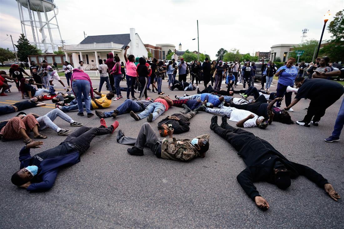 Αφροαμερικανός - Βόρεια Καρολίνα - θανασιμος τραυματισμός - αστυνομία