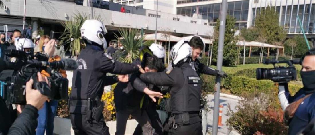 ΑΠΘ: επεισόδια και προσαγωγές μετά την επέμβαση της Αστυνομίας