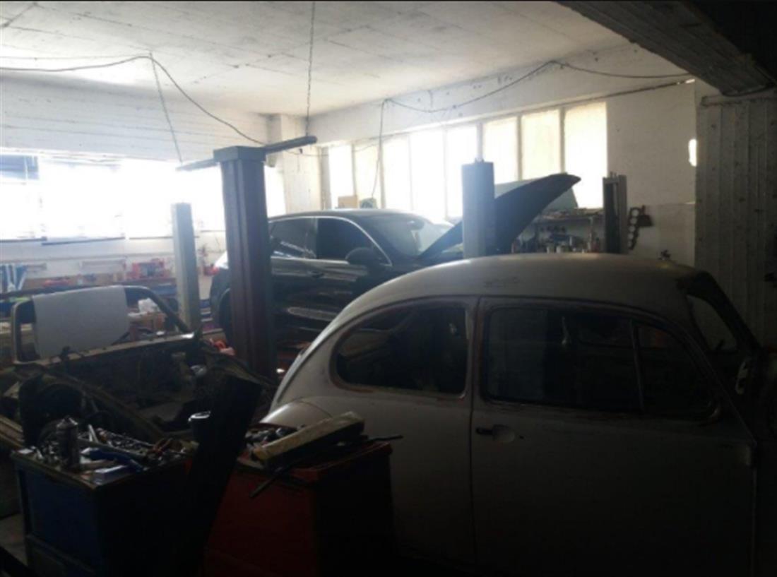 ΑΠΑΤΗ - SUPER CARS