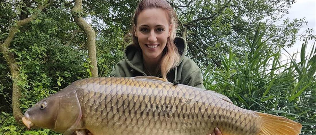 """Η Άννα Κορακάκη """"πέτυχε"""" ...ψάρι 15 κιλών!(φωτο)"""