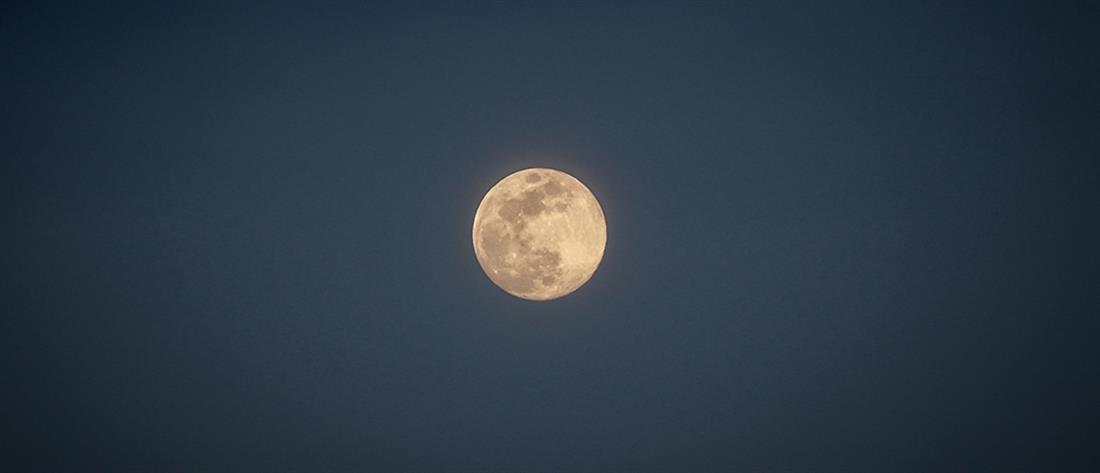 Πώς το φεγγάρι επηρεάζει ύπνο και γονιμότητα