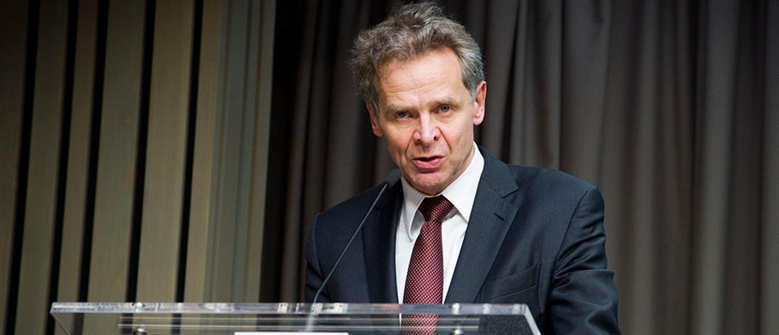 Επιμένει το ΔΝΤ: Κόψτε συντάξεις και αφορολόγητο