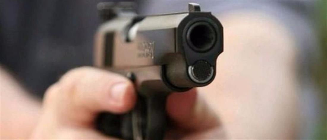 Αστυνομικός πυροβόλησε σε αυτοκίνητο μετά από τροχαίο