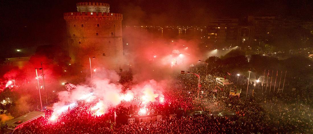 Ολονύχτιο πάρτι στη Θεσσαλονίκη για τον πρωταθλητή ΠΑΟΚ (εικόνες)