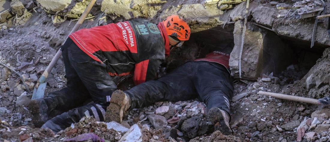 Τουρκία: σβήνουν οι ελπίδες για επιζώντες μετά το σεισμό
