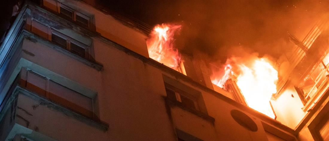 Φονική φωτιά σε πολυκατοικία στο Παρίσι