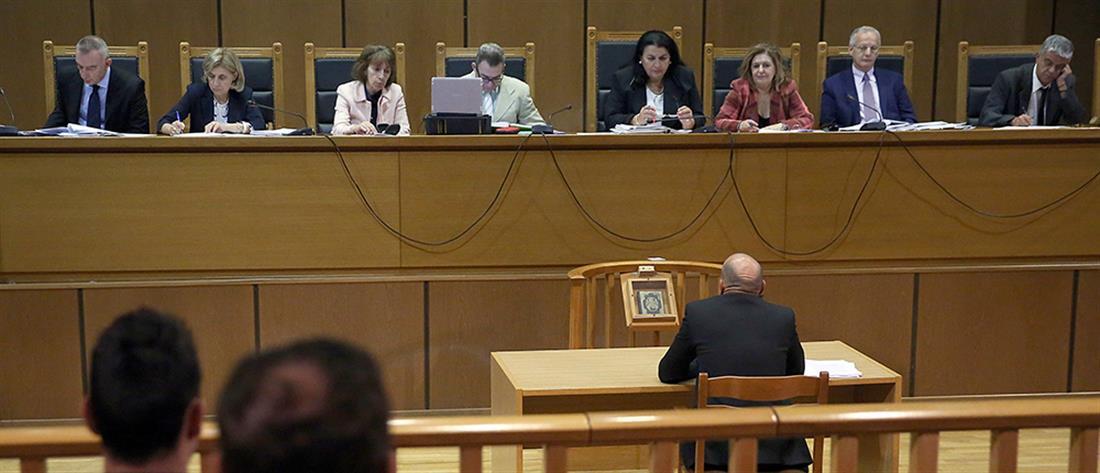 """Δίκη Χρυσής Αυγής: Πολιτική δίωξη """"βλέπουν"""" Ζαρούλια και Γρέγος"""