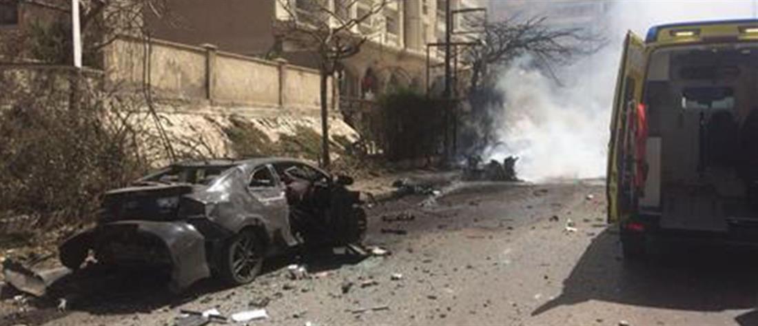 Έκρηξη παγιδευμένου αυτοκινήτου στην Αλεξάνδρεια της Αιγύπτου (φωτό)