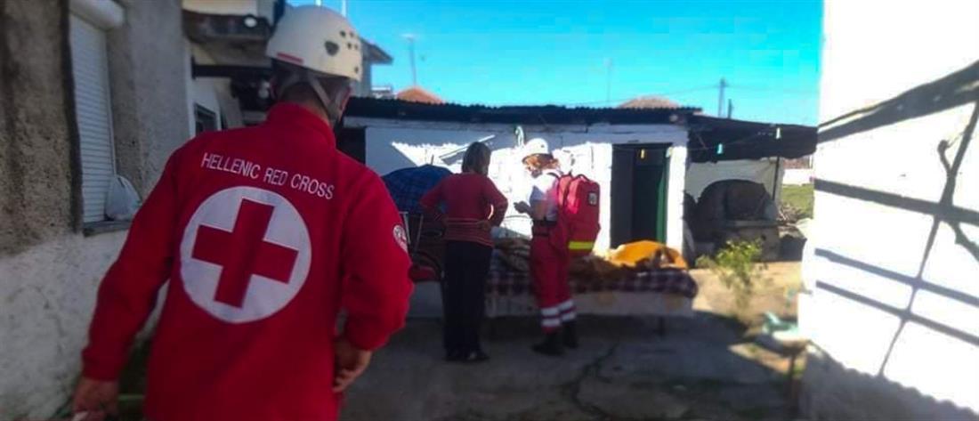 Απεγκλωβισμός μετά το σεισμό στην Ελασσόνα (εικόνες)