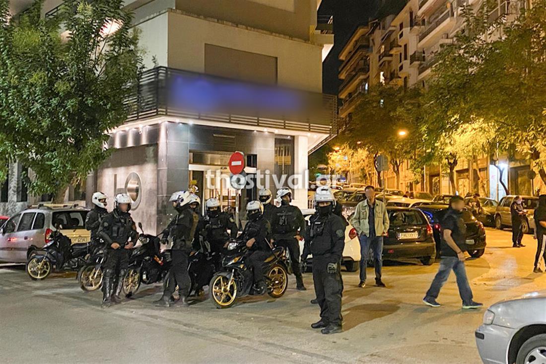 Θεσσαλονίκη - επίθεση με μολότοφ - ΜΑΤ