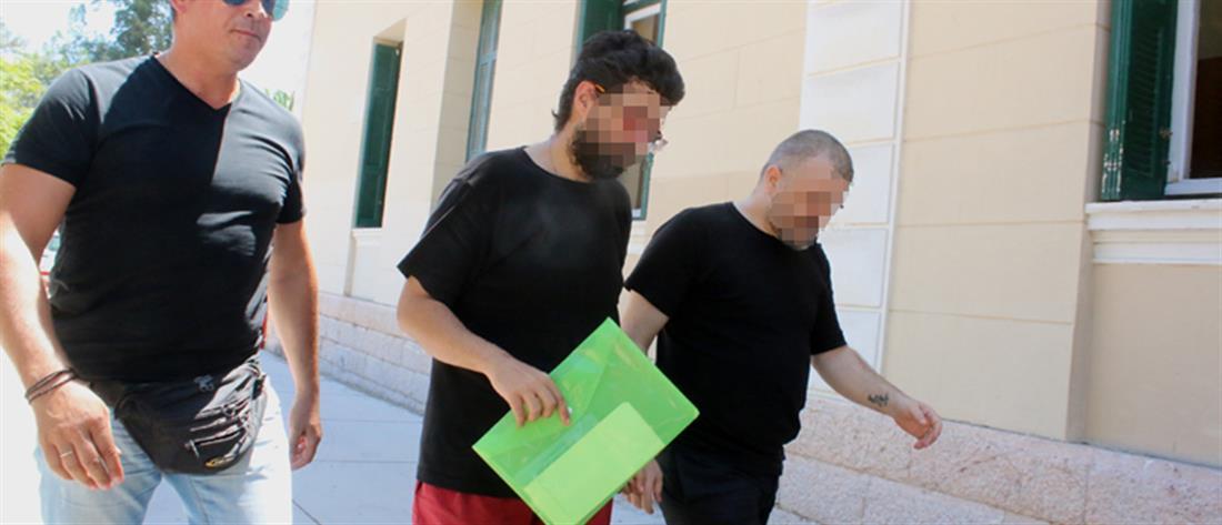 Σοκ: Πα-τέρας βίαζε τον 12χρονο γιο του μαζί με τον εραστή του!