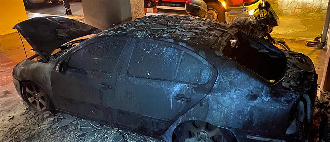 Πυρπόλησαν το αυτοκίνητο του αρχιφύλακα Δομοκού (εικόνες)