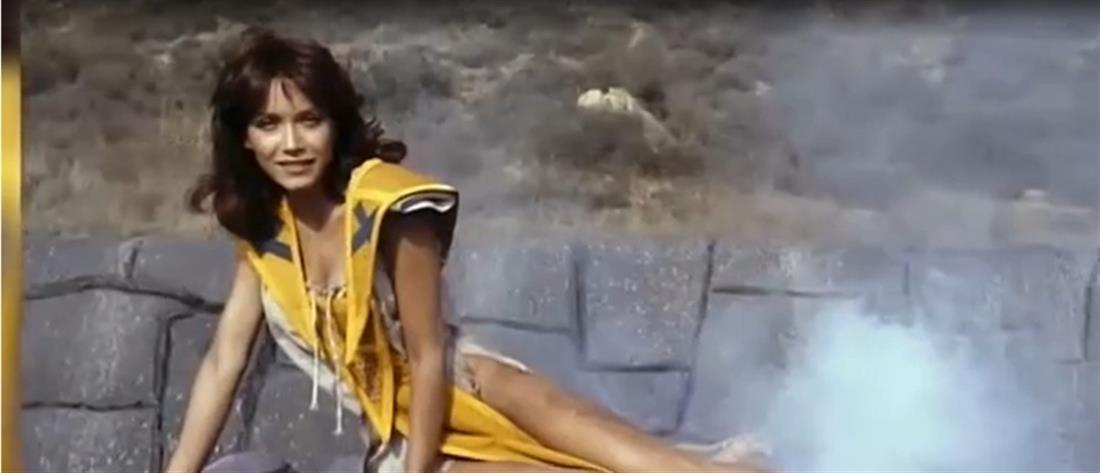 """Τάνια Ρόμπερτς: o """"Άγγελος του Τσάρλι"""" που έγινε… κορίτσι του Τζέιμς Μποντ (βίντεο)"""