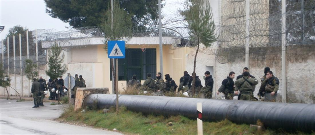 """Φυλακές Αυλώνα: """"Καρατομήσεις"""" μετά τις συμπλοκές"""
