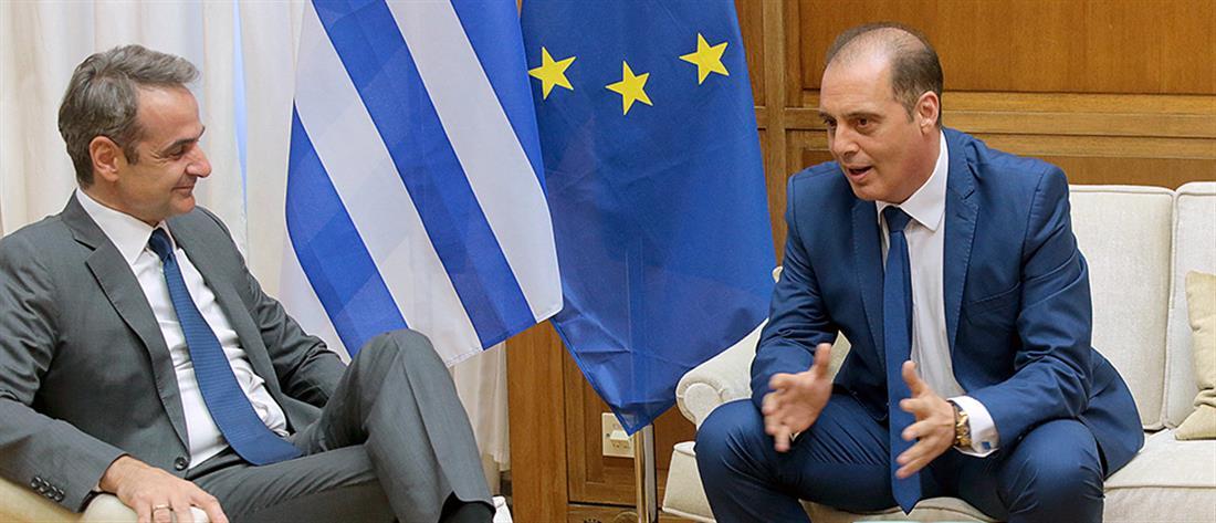 Σύγκληση του συμβουλίου των πολιτικών αρχηγών ζητά ο Βελόπουλος