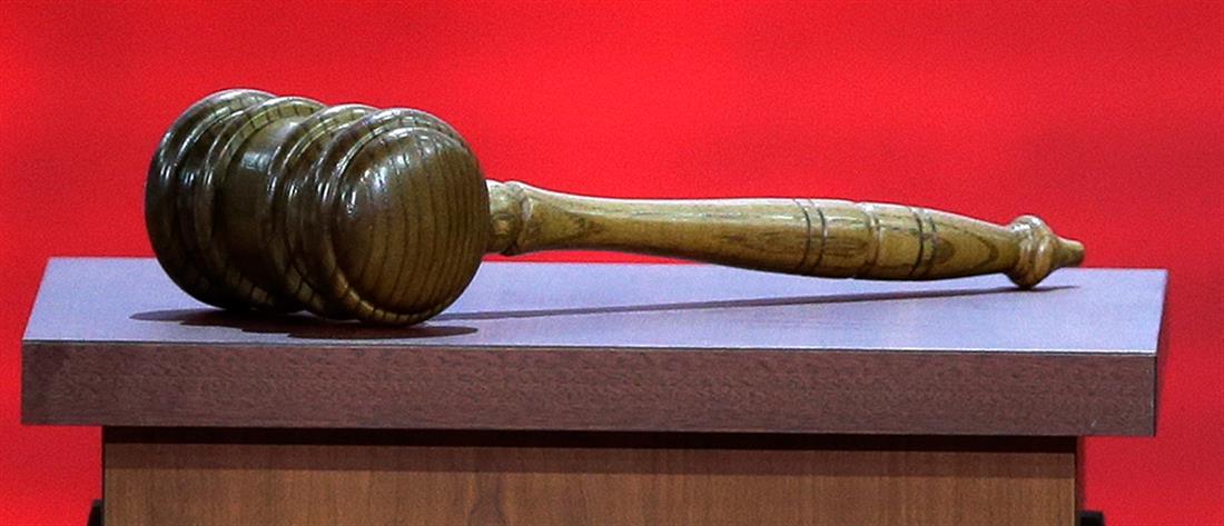 Νεαρός κατήγγειλε τον βιασμό του και καταδικάστηκε για ομοφυλοφιλία