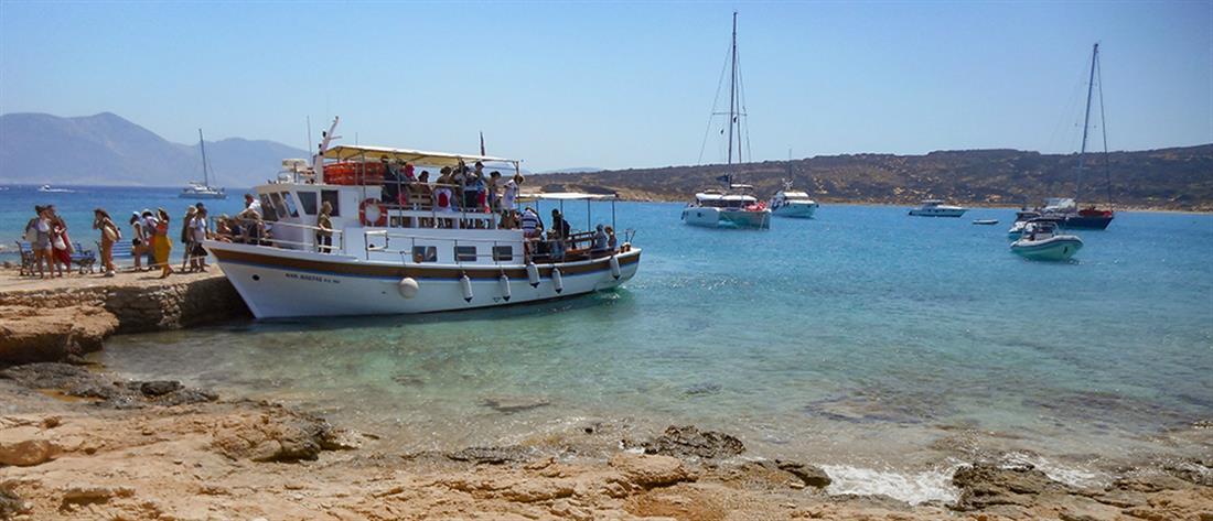 """Κορονοϊός: ο διεθνής Τύπος """"σπρώχνει"""" τουρίστες στην Ελλάδα"""