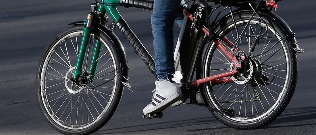 """Χειροπέδες στον """"κλέφτη με το ποδήλατο"""""""