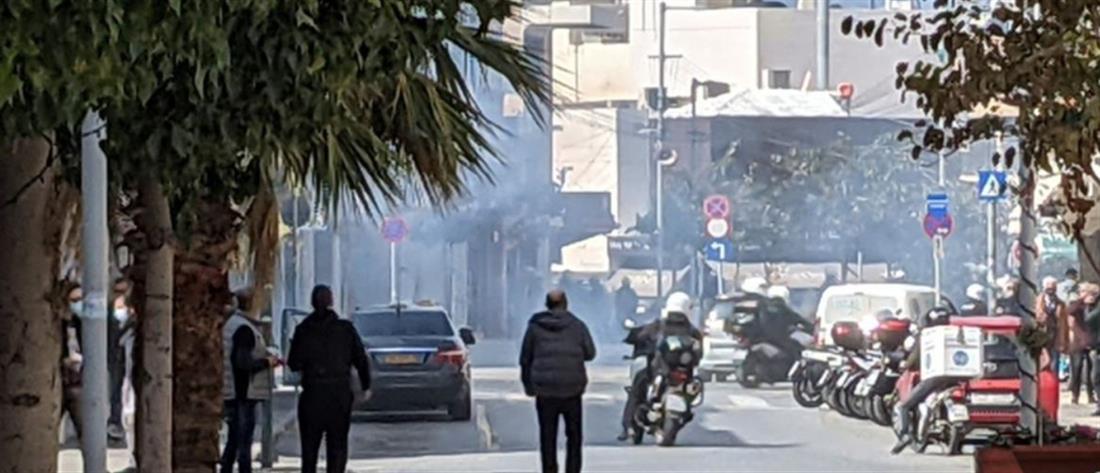 Κουφοντίνας: δακρυγόνα και ένταση στο Ηράκλειο (εικόνες)