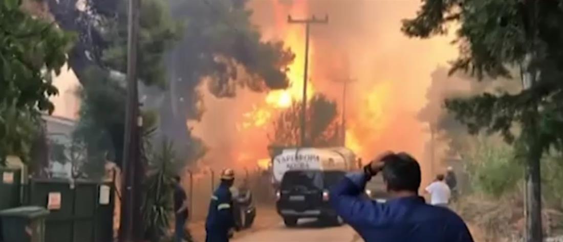 Φωτιά στη Σταμάτα: Οι φλόγες έφθασαν σε Ροδόπολη και Διόνυσο (βίντεο)