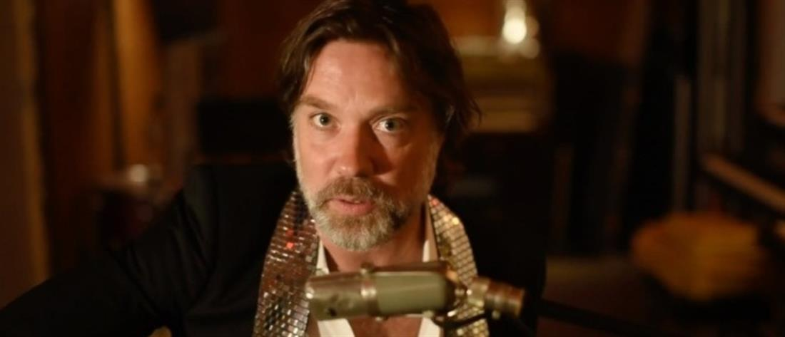 Rufus Wainwright: νέα τραγούδια πριν το καινούριο άλμπουμ (βίντεο)