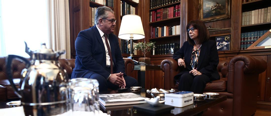 Σακελλαροπούλου – Κουτσούμπας: Συζήτηση για ελληνοτουρκικά και οικονομία