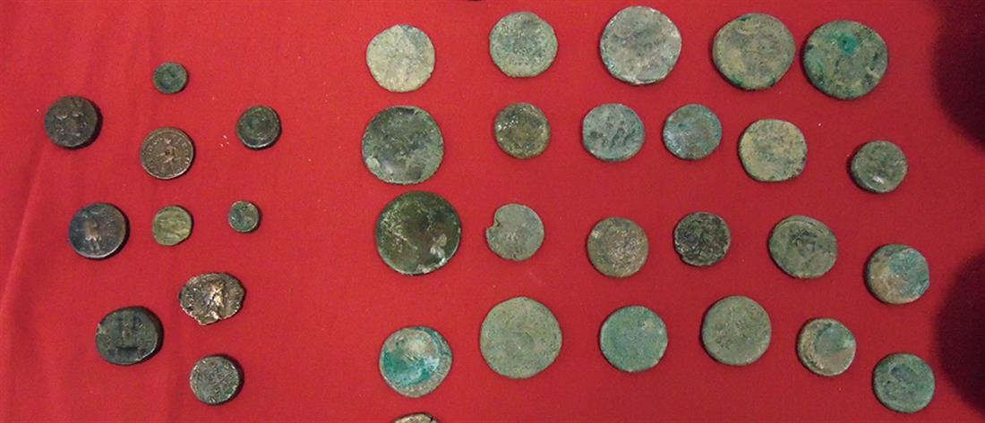 ΑΑΔΕ: εντοπίστηκαν αρχαία ελληνικά νομίσματα σε βαλίτσα Τούρκου