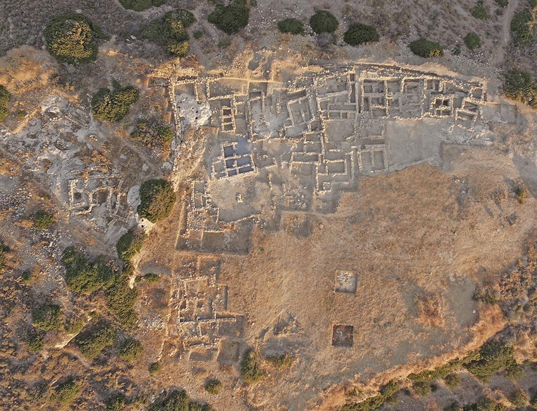ανασκαφή - Μινωικο νεκροταφείο - Πετράς - Σητεία