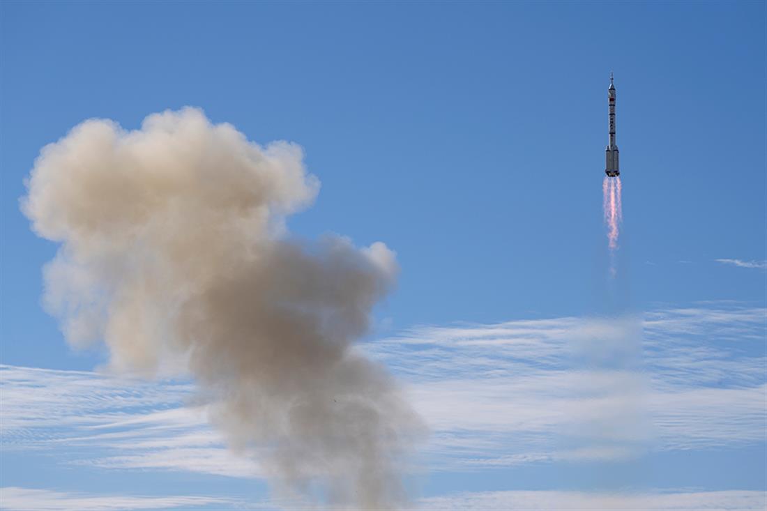 Κίνα - διαστημόπλοιο Shenzhou-12 - απογείωση - εκτόξευση