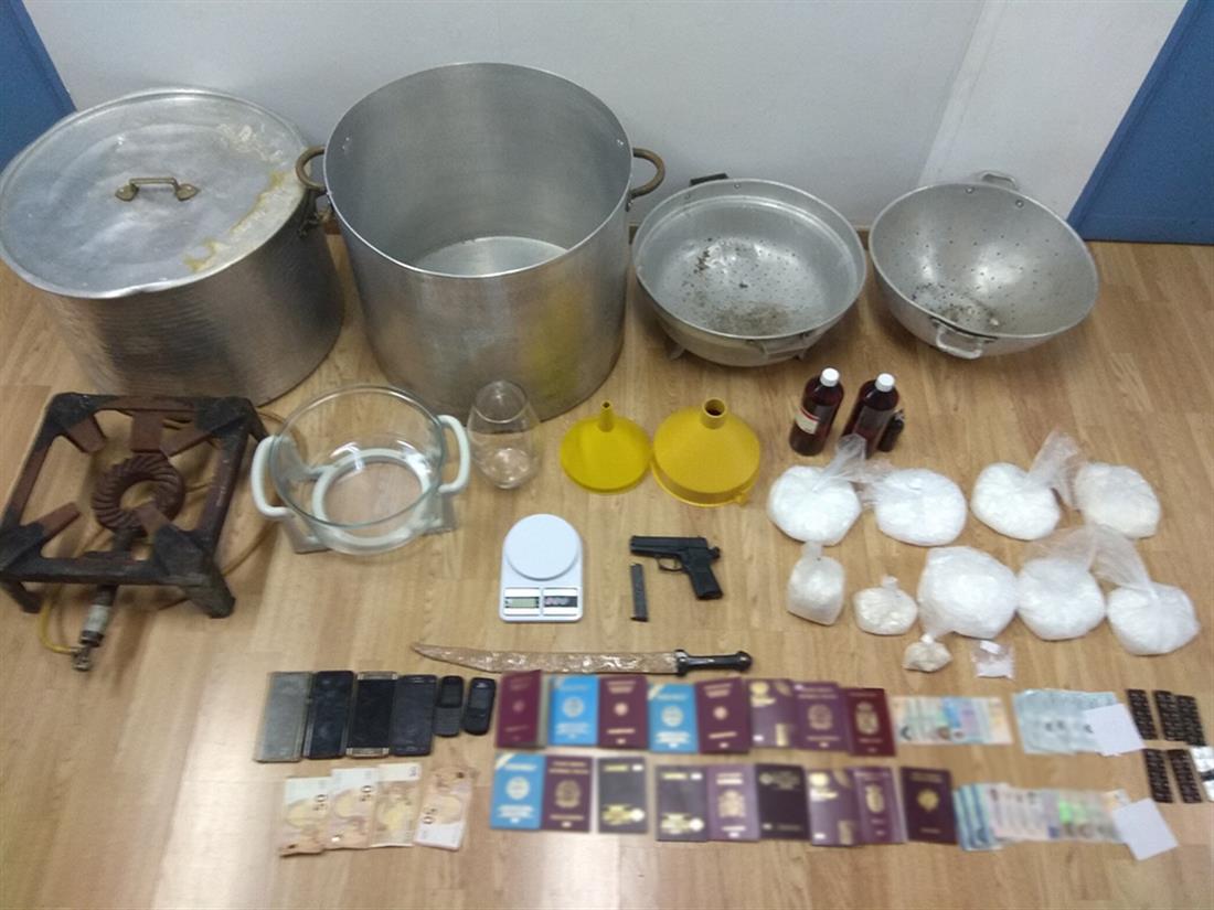 Συλλήψεις - κρυσταλλική μεθαμφεταμίνη