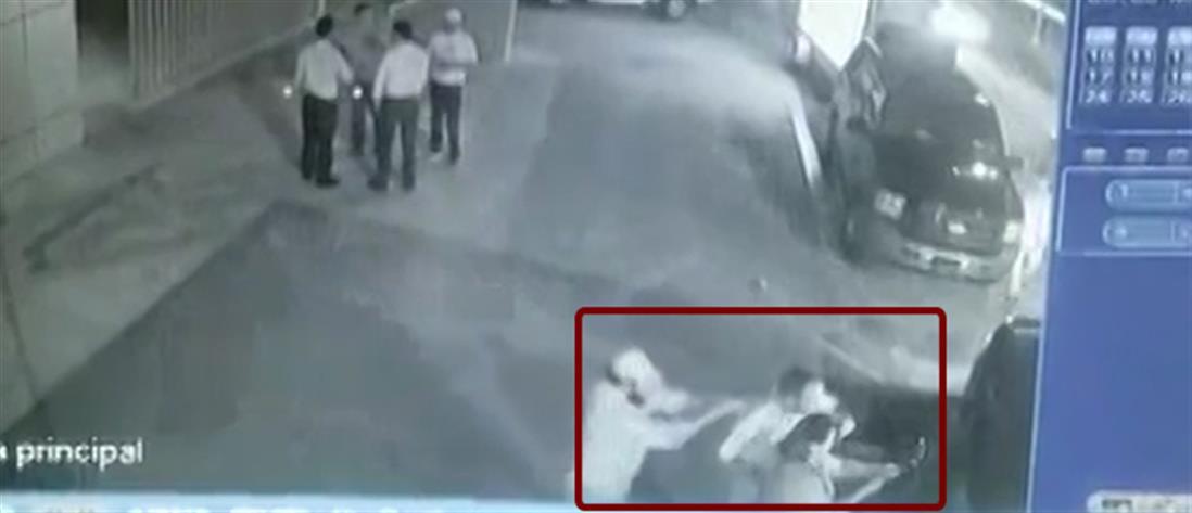 Πυροβόλησαν στο κεφάλι Μεξικανό πολιτικό την ώρα που πόζαρε για selfie (βίντεο)