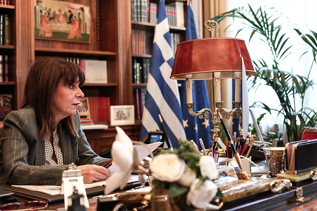 Κυριάκος Μητσοτάκης - Κατερίνα Σακελλαροπούλου - Τηλεδιάσκεψη