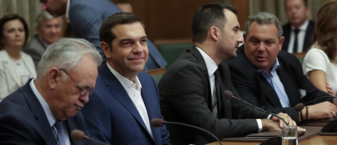 ΝΔ: Θα χρειαστεί εξειδικευμένο συνεργείο για να ξεκολλήσει τον κ. Τσίπρα από την καρέκλα του