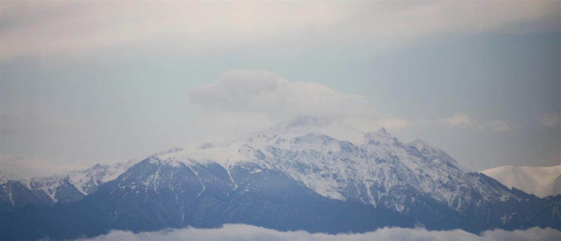 Έπεσαν το πρώτα χιόνια στον Όλυμπο (βίντεο)
