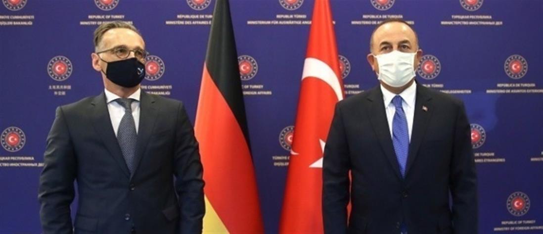 """Μάας - Τσαβούσογλου: γερμανικά """"χάδια"""" στην Τουρκία που πιέζει την ΕΕ"""