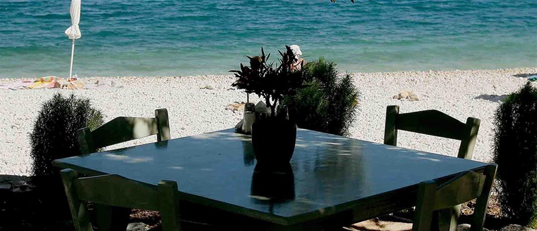 Τουρίστρια με κορονοϊό έτρωγε σε εστιατόριο