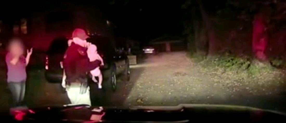 Τροχονόμος άφησε την κίνηση κι έσωσε βρέφος (βίντεο)