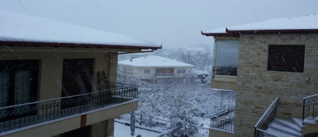 Χιόνια σε Καστοριά και Κοζάνη (εικόνες)