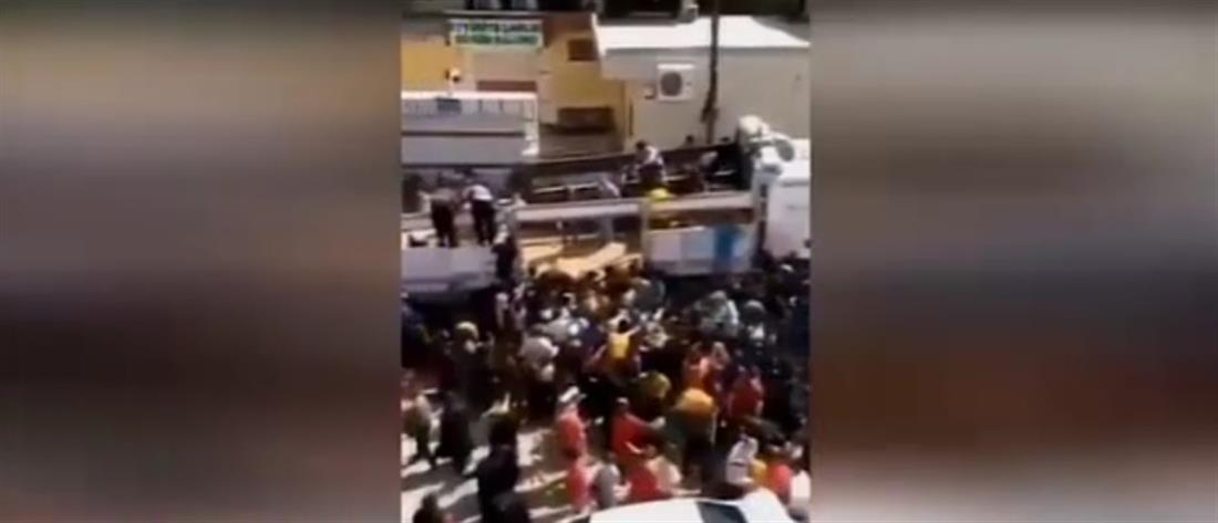 Τουρκία: Χάος και συνωστισμός για ένα σακί πατάτες (βίντεο)