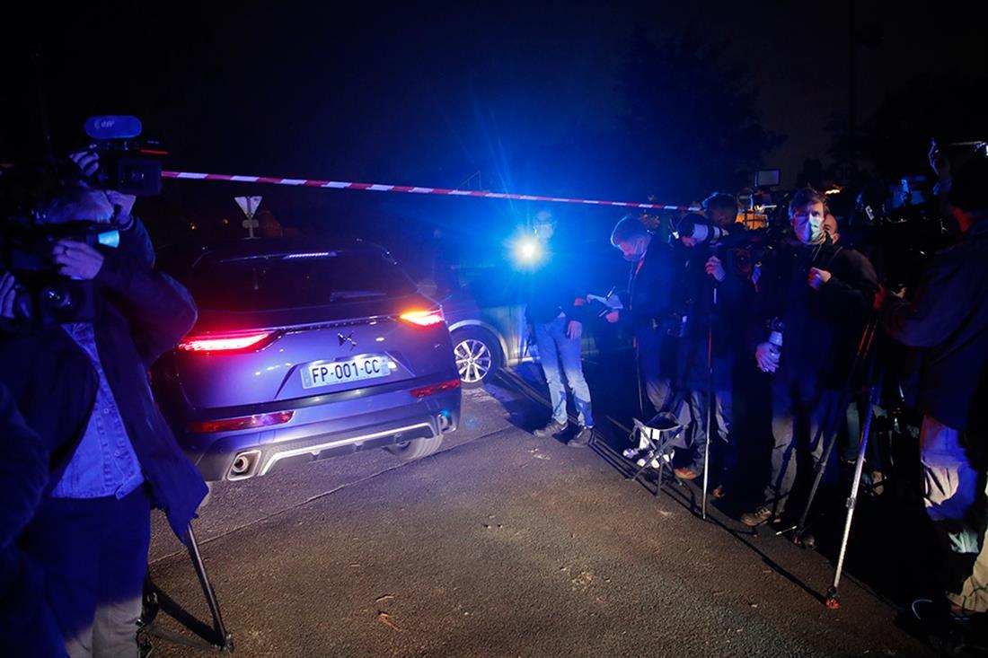 AP - Παρίσι - δολοφονία - επίθεση με μαχαίρι - δάσκαλος - μαθητής