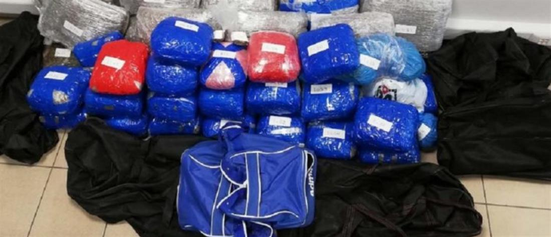 """""""Χτύπημα"""" της ΕΛ.ΑΣ. σε διεθνές κύκλωμα ναρκωτικών (εικόνες)"""