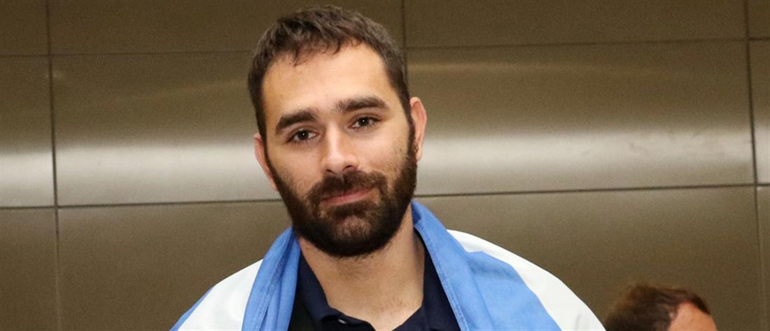 Ο Θοδωρής Ιακωβίδης έπεσε θύμα χάκερ (βίντεο)