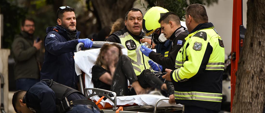 Πανικός και τραυματίες από την φωτιά στο ξενοδοχείο στην Συγγρού (εικόνες)