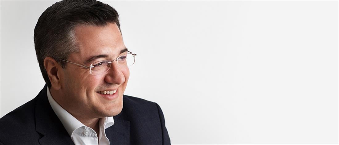 Τζιτζικώστας: εξελέγη πανηγυρικά Πρόεδρος της ΕΝΠΕ