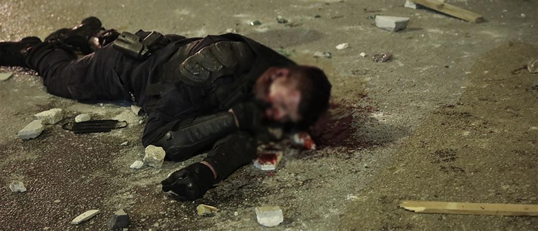 Νέα Σμύρνη: με ανοιχτό τραύμα στο κεφάλι ο αστυνομικός (εικόνες)