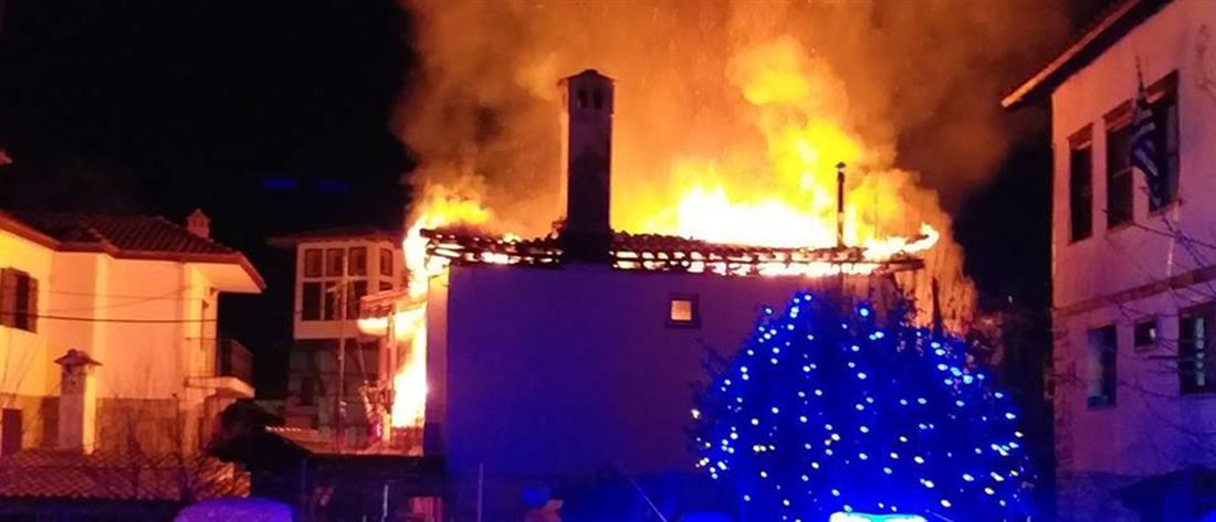 Στις φλόγες μονοκατοικία στην Καστοριά (βίντεο)
