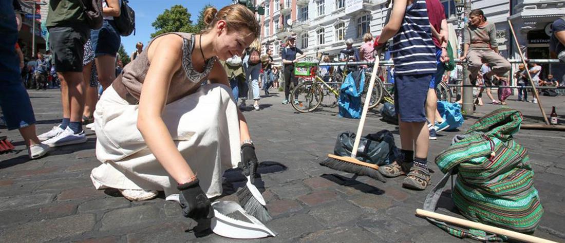 Βίντεο:10.000 εθελοντές καθάρισαν στο Αμβούργο μετά τα επεισόδια κατά της G20