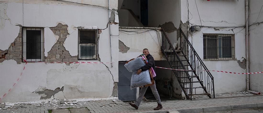 Αλβανία: φοβούνται να γυρίσουν στα σπίτια τους οι κάτοικοι στο Δυρράχιο (εικόνες)