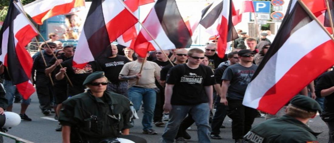 Ξέμεινε από… κόσμο ναζιστική φιέστα στο Βερολίνο