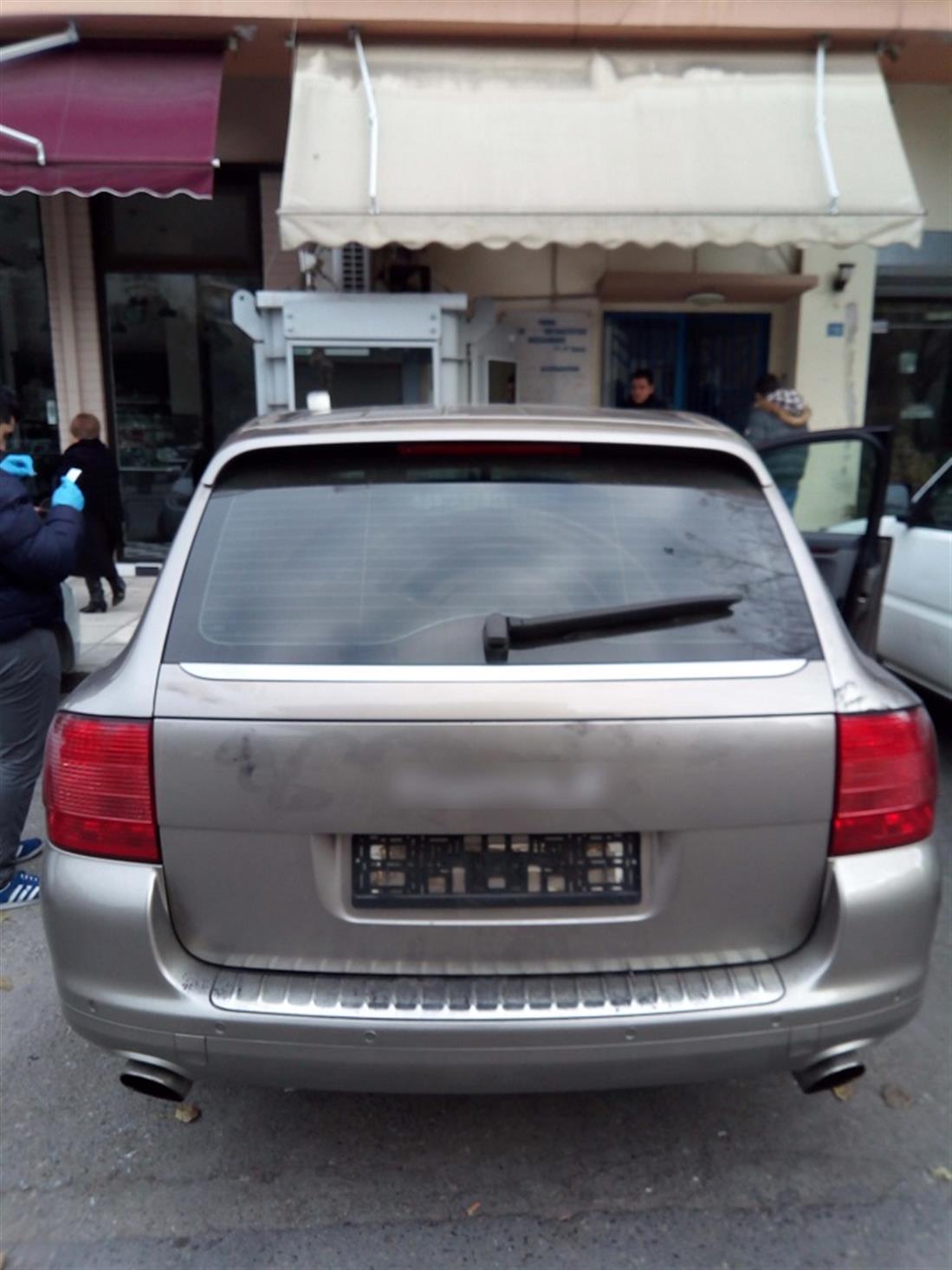 Θεσσαλονίκη - μεταφορά αλλοδαπών - Porsche Cayenne - κλεμμένες πινακίδες